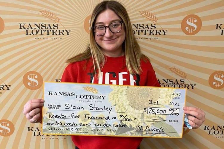 18-Year-Olf Kansas Wins Lottery