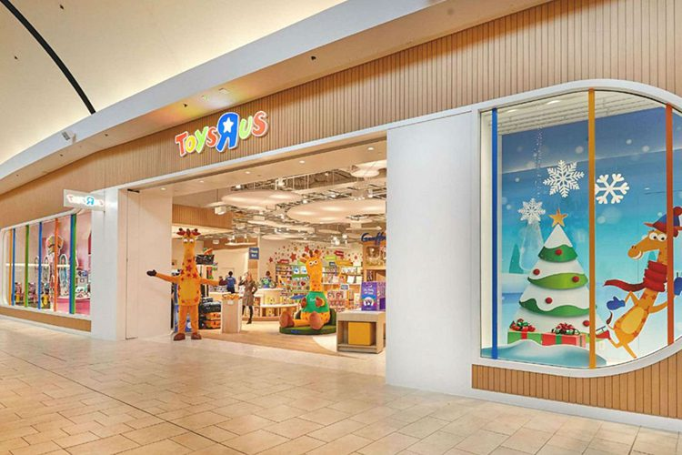"""Toys """"R"""" Us Is Back"""