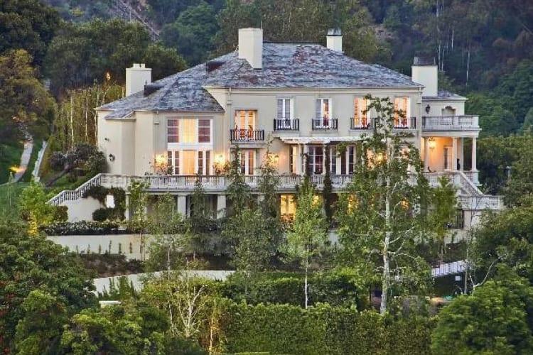 Elon Musk Selling Property